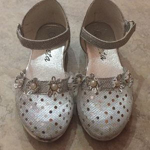 Other - Girls dress shoes Sz 10